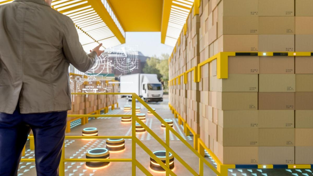 Self driving robots in warehouse